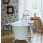 1_Apple-Green-Roll-top-Country-Bathroom-Country-Homes-and-Interiors-Housetohome-1