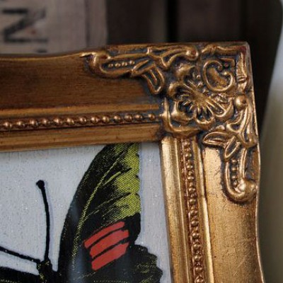 detailed gold picture frame 4x4