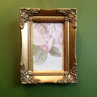 detailed gold picture frame 5x7
