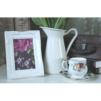 detailed white picture frame 4x6